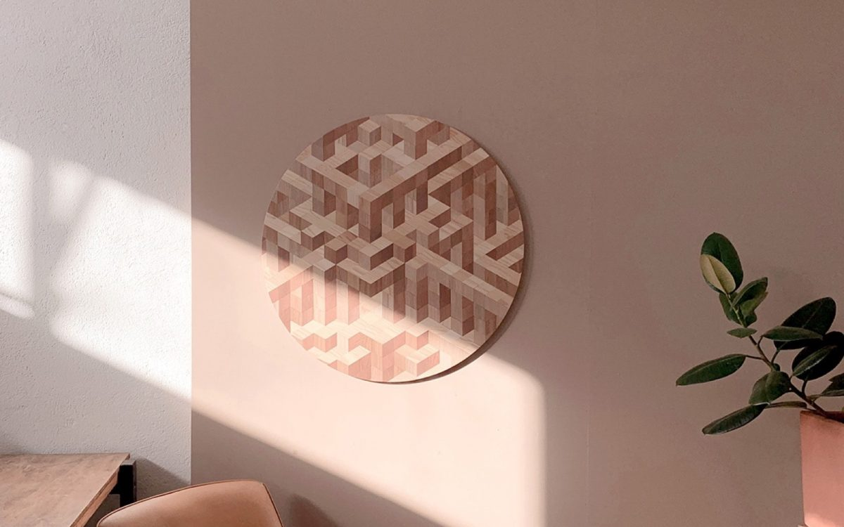 Дизайнеры превращают собранную на улице древесину в экологически чистые товары для дома