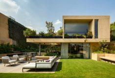 Мексиканские архитекторы из Еstudio MMX превратили семейный дом в сад