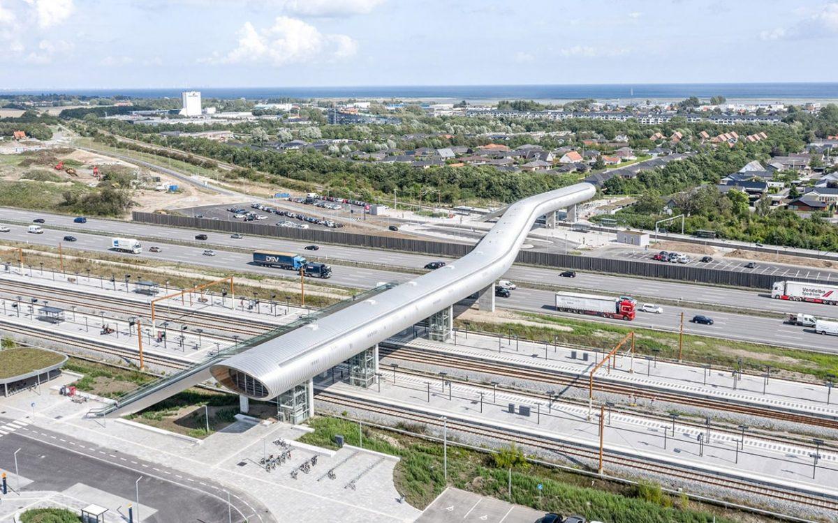 В Дании появится новая станция с футуристическим пешеходным мостом