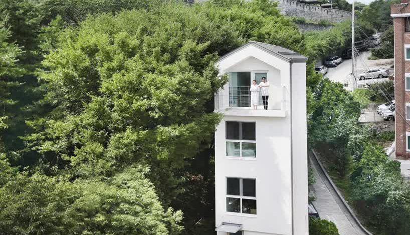 В центре густонаселенного Сеула построен вертикальный мини-дом