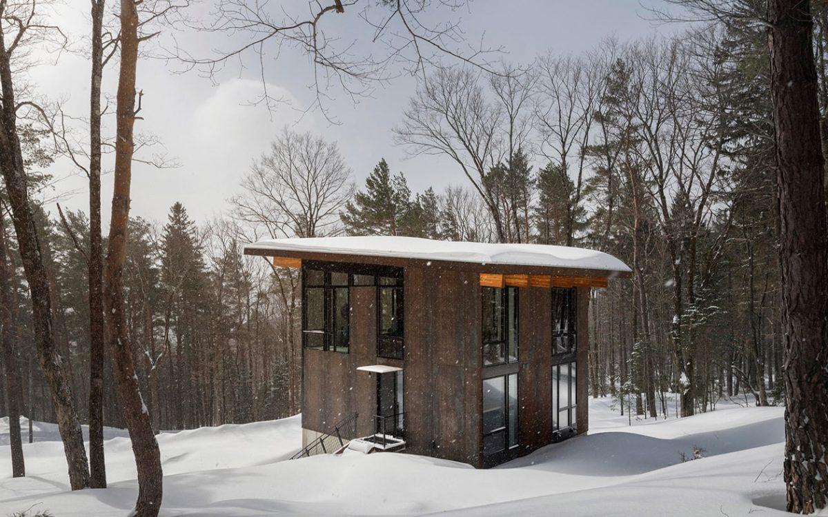 Компактный семейный коттедж для уединенного отдыха в живописных горах Вермонта