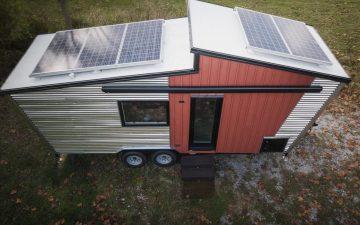 Компания GoSun построила автономный крошечный дом с подъемной кроватью