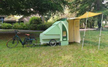 Прицеп-палатка Scout вдохновляет на мини-приключения на е-байке