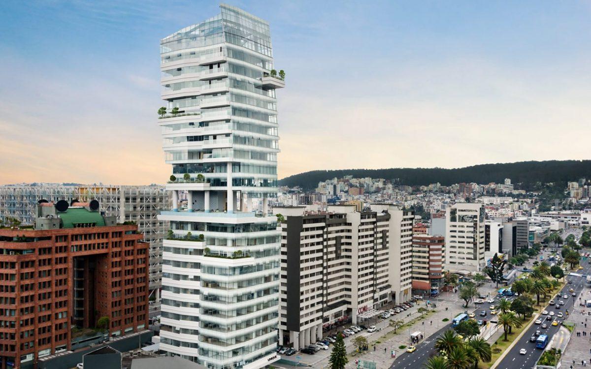 В Кито построен уникальный небоскреб с изогнутым стеклянным фасадом