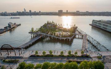 На Гудзоне открылся парк с амфитеатром Little Island