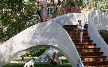Первый в мире неармированный бетонный мост, напечатанный на 3D-принтере, представлен в Венеции