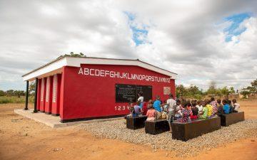 Первая в мире 3D-печатная школа открылась в Африке